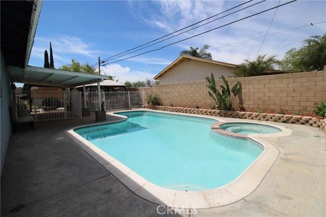 800 San Carlo Avenue, San Bernardino CA: http://media.crmls.org/medias/189fbe16-fa5a-4c52-aadf-b5096f39bdae.jpg