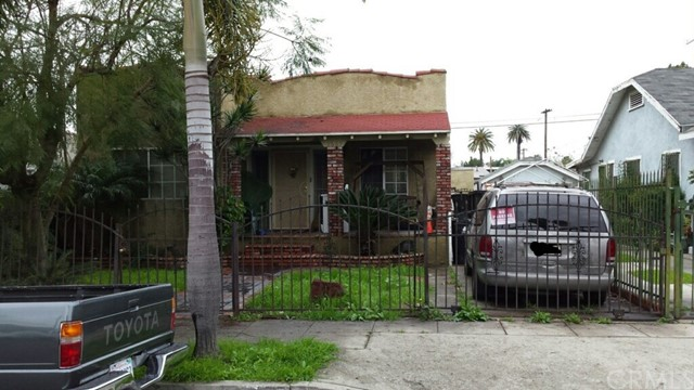2665 S Longwood Avenue Los Angeles, CA 90016 - MLS #: PW18146017
