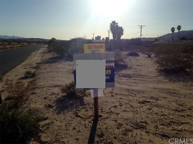 Additional photo for property listing at 73935 Buena Vista Drive  29 Palms, California 92277 United States