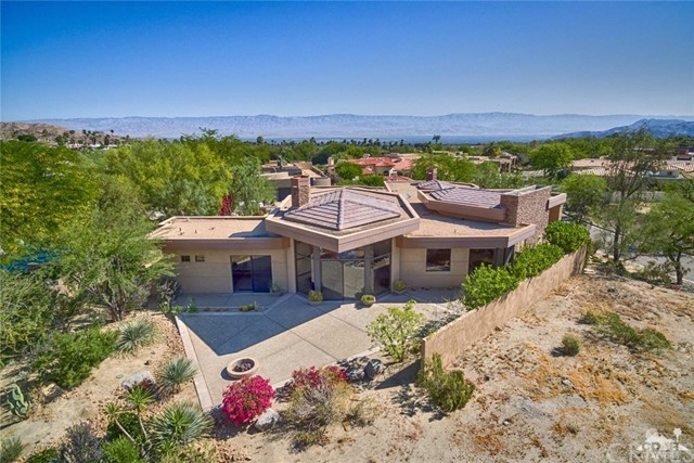 Single Family Home for Rent at 100 Chalaka Place Palm Desert, California 92260 United States