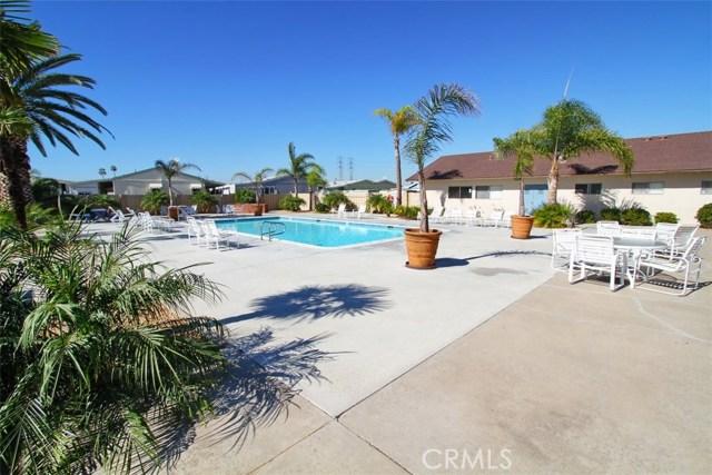 19361 Brookhurst Street, Huntington Beach CA: http://media.crmls.org/medias/18ac1cad-4346-40bf-b56e-f3fab0503683.jpg