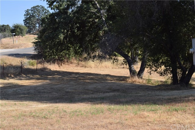 33050 Road 416, Coarsegold CA: http://media.crmls.org/medias/18bbffd4-eda0-417a-9a6d-2c8c93c33481.jpg