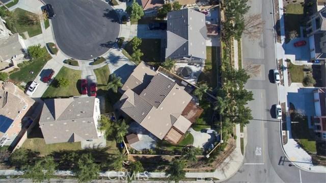 6074 Jepson Court, Fontana CA: http://media.crmls.org/medias/18d7adde-dc4a-41f6-badb-1c309d0bfff6.jpg