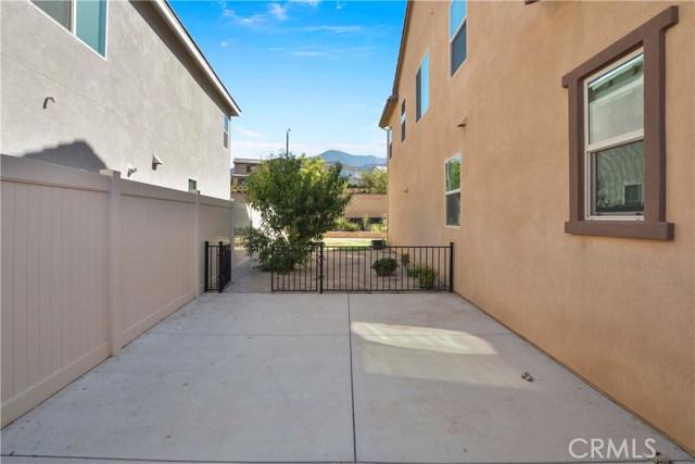 11377 Hutton Road, Corona CA: http://media.crmls.org/medias/18e00666-1527-4296-8fc3-252b4762a6ce.jpg