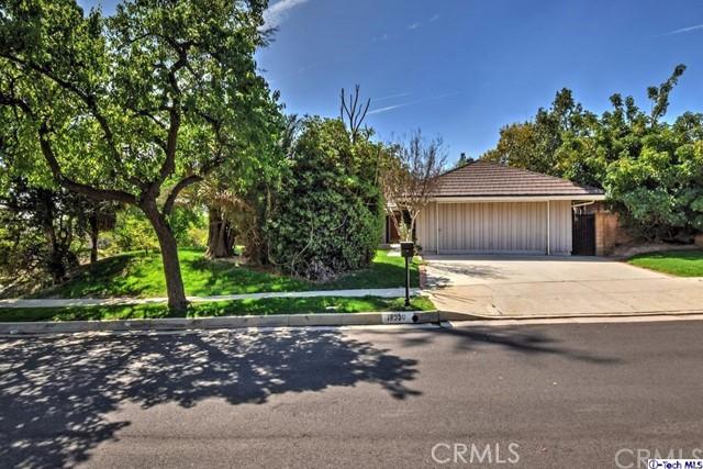 Single Family Home for Rent at 18830 Kilfinan Street Northridge, California 91326 United States