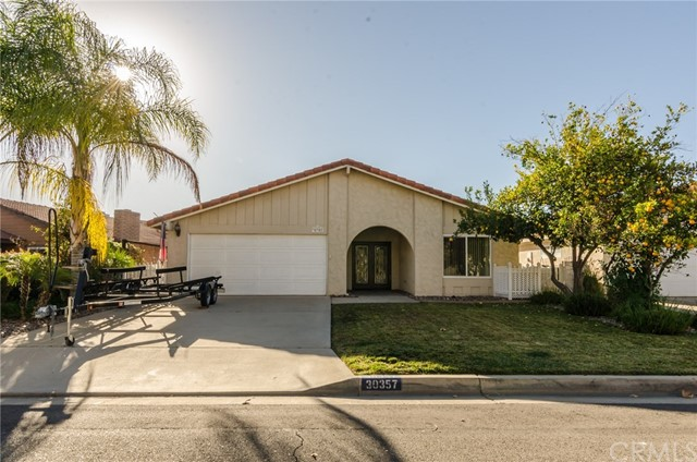 30357 Spray Drive, Canyon Lake, CA 92587