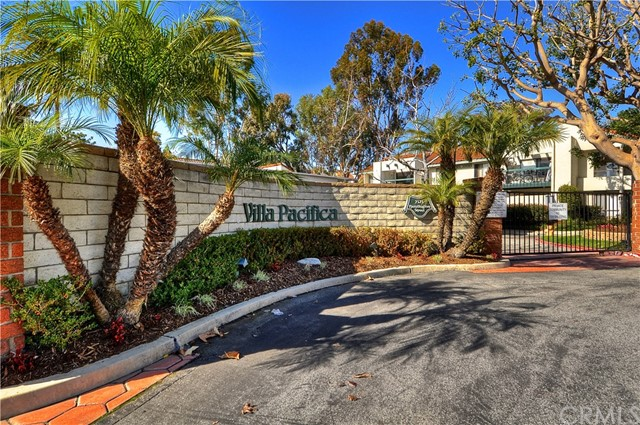 Condominium for Sale at 2323 Huntington Street Huntington Beach, California 92648 United States