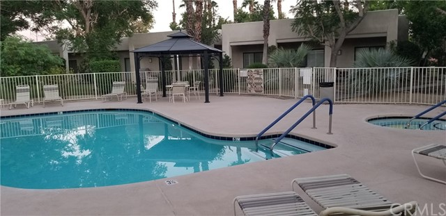 28186 Desert Princess Drive, Cathedral City CA: http://media.crmls.org/medias/18ed4e75-b537-4d92-8ded-e415f57464b6.jpg