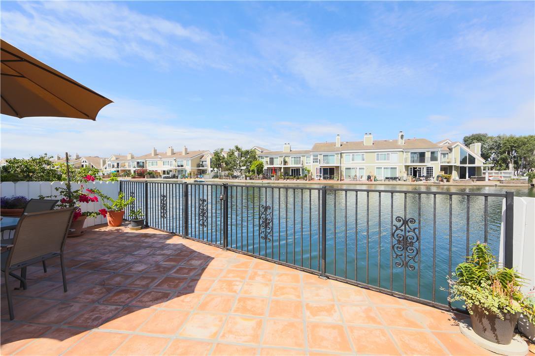 Single Family Home for Sale at 16083 Saint Croix St Huntington Beach, California 92649 United States