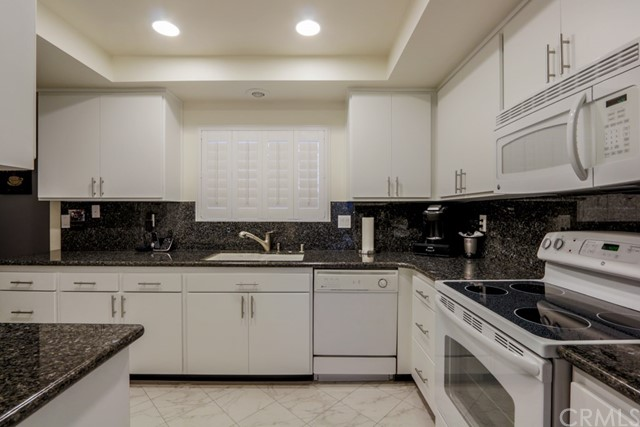 5499 Paseo Del Lago 3A Laguna Woods, CA 92637 is listed for sale as MLS Listing OC16752974