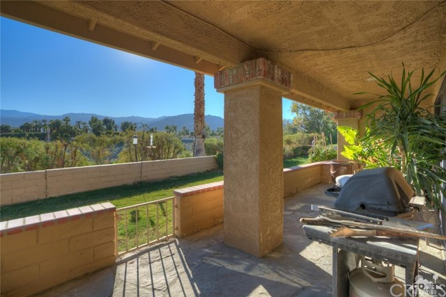 169 Camino Arroyo, Palm Desert CA: http://media.crmls.org/medias/18f76b21-2244-40ad-97b3-7bac62e99305.jpg