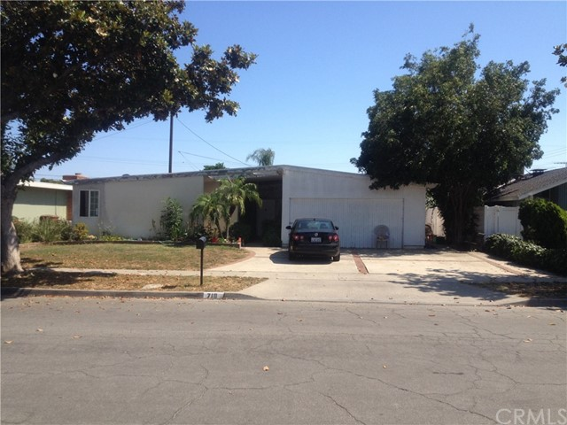 718 W Rosslynn Avenue Fullerton, CA 92832 is listed for sale as MLS Listing PW17140256