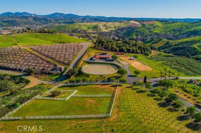 5104 Olive Hill Trail, Bonsall CA: http://media.crmls.org/medias/1900f91c-62b6-4e96-8511-10aa87ed4cf0.jpg