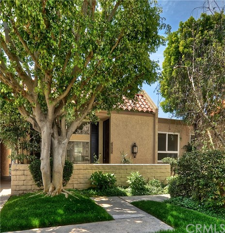 Townhouse for Sale at 932 Palo Verde Avenue Long Beach, California 90815 United States
