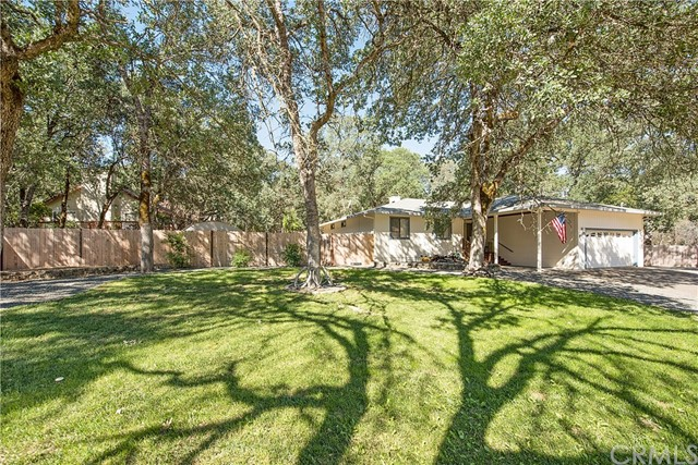 20273 Powder Horn Road, Hidden Valley Lake CA: http://media.crmls.org/medias/191f12c0-4405-43e2-8760-932298135917.jpg
