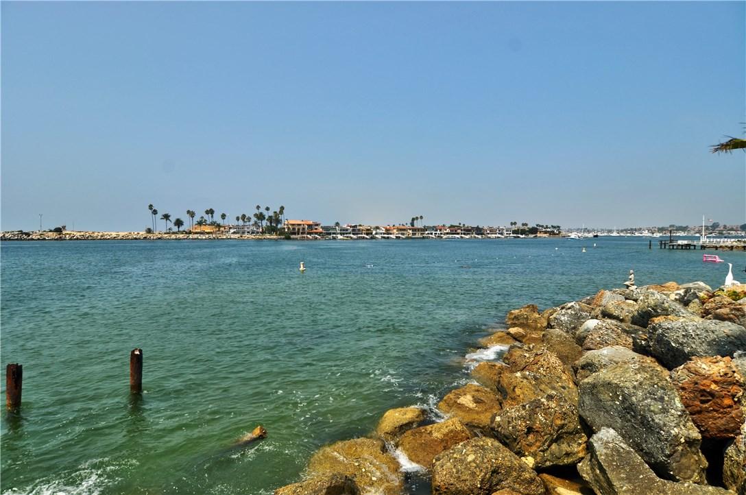 2717 Shell Street, Corona del Mar CA: http://media.crmls.org/medias/192d0846-bfce-4669-bbc1-3a0543802973.jpg