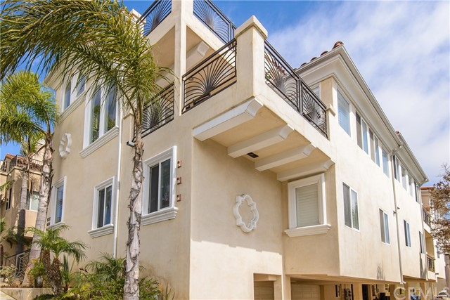 634 9th Street, Hermosa Beach CA 90254