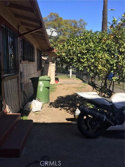 5811 S Denker Avenue, Los Angeles CA: http://media.crmls.org/medias/19459fc1-a39f-418b-aa41-14ad188d536c.jpg