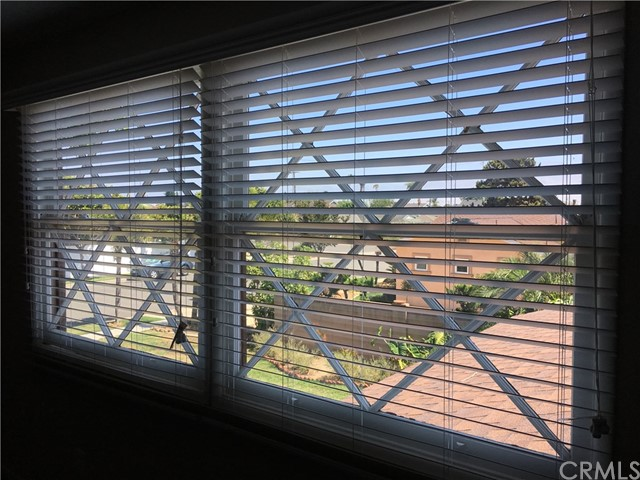 17241 Oak Street, Fountain Valley CA: http://media.crmls.org/medias/1950ba19-f929-4a85-8a40-499184b9d7d7.jpg