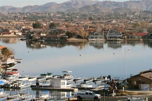 13745 Spring Valley, Victorville CA: http://media.crmls.org/medias/19576b82-a21b-4814-8b77-4d6803414175.jpg