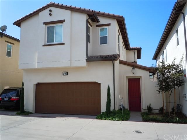 Single Family Home for Rent at 17583 Amaranth St Fountain Valley, California 92708 United States