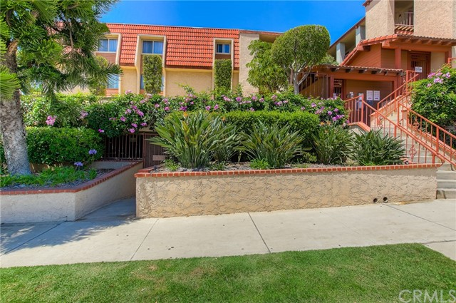 Condominium for Rent at 2001 21st Street E Signal Hill, California 90755 United States