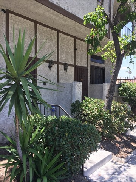 13243 Vanowen Street # 9 North Hollywood, CA 91605 - MLS #: BB17133700