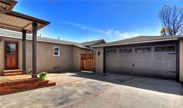 215 Santa Isabel Avenue Costa Mesa, CA 92627 - MLS #: OC18067835