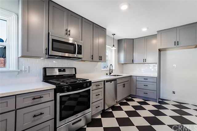 5442 Lemon Avenue, Long Beach CA: http://media.crmls.org/medias/196d9595-a6b9-4712-a892-ee758c53db17.jpg