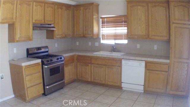 7622 Alaba Avenue, Yucca Valley CA: http://media.crmls.org/medias/196dca63-4aca-4cf5-b2f6-2c4debd07fee.jpg