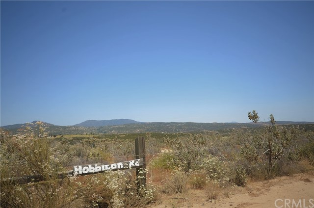 35052 Hobbiton Road, Sage CA: http://media.crmls.org/medias/1980bc0d-2ff7-4799-8ae5-5394eb2ff4a8.jpg