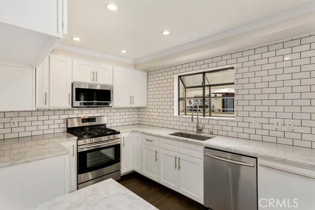 1111 Beryl Street, Redondo Beach, California 90277, 2 Bedrooms Bedrooms, ,3 BathroomsBathrooms,Townhouse,For Sale,Beryl,SB19264297