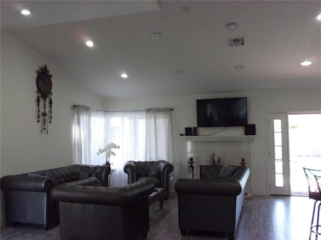 68885 los Gatos Road, Cathedral City CA: http://media.crmls.org/medias/198e7306-71b4-4185-80c4-3ef9b8787c28.jpg
