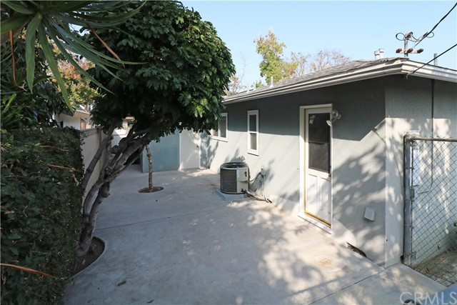 1022 E Chestnut Avenue, Orange CA: http://media.crmls.org/medias/19a34c41-85d3-4f32-8a3e-74171266c117.jpg