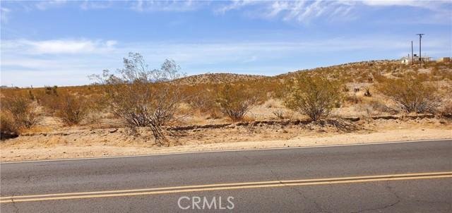 5992830 Border Road, Joshua Tree CA: http://media.crmls.org/medias/19b57031-42f4-41e9-bd8f-e40a3ac6ebbb.jpg
