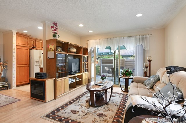 1723 N Willow Woods Dr, Anaheim, CA 92807 Photo 6