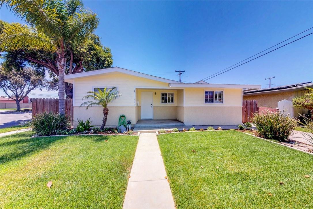 2347 Tulane Avenue, Long Beach CA: http://media.crmls.org/medias/19bd85ad-dfac-43e3-ac0d-1506bc2afb7a.jpg