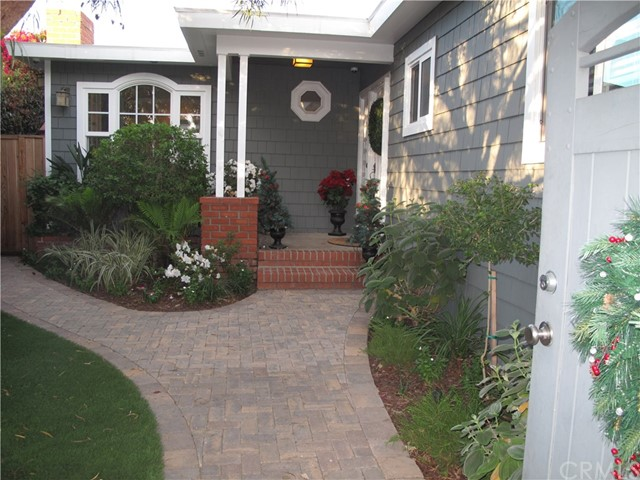 1509 E Oak Avenue  El Segundo CA 90245
