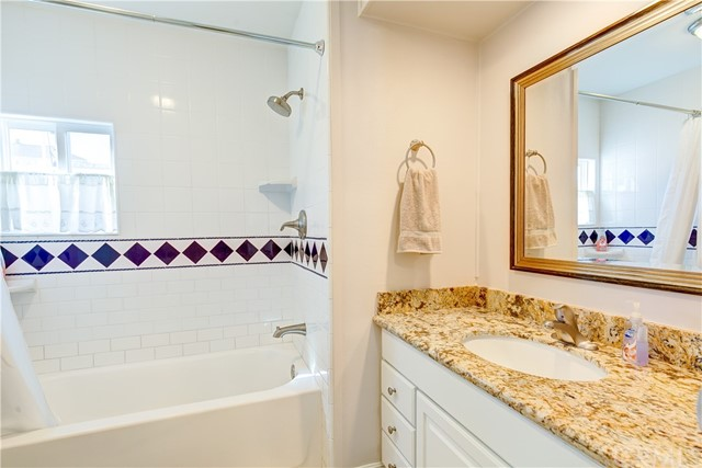 279 Cambridge Way, Newport Beach CA: http://media.crmls.org/medias/19c79d1d-e0a3-4105-853d-58194bfdfe93.jpg