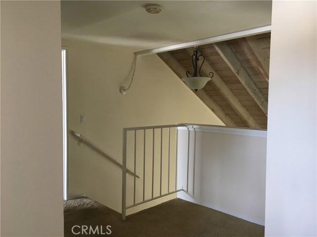 10512 S Jenny Lane, Garden Grove CA: http://media.crmls.org/medias/19cb81bc-d404-46f2-b320-919f4032a6a4.jpg