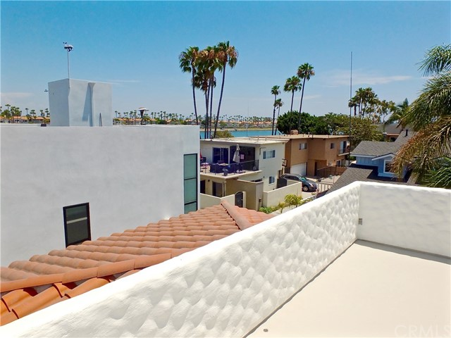 5297 Appian Way, Long Beach CA: http://media.crmls.org/medias/19cc227f-2037-4bee-aa46-e32287a7e276.jpg