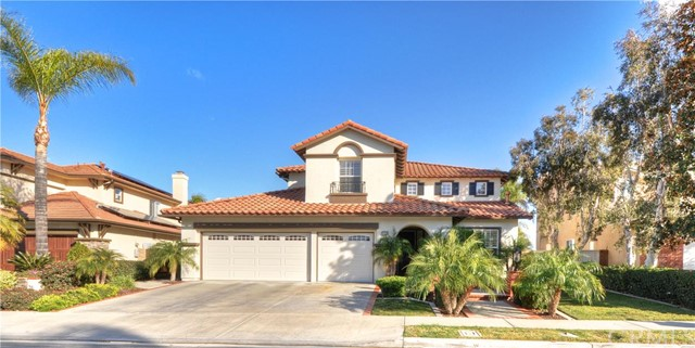 Single Family Home for Sale at 23918 Skyline St Mission Viejo, California 92692 United States