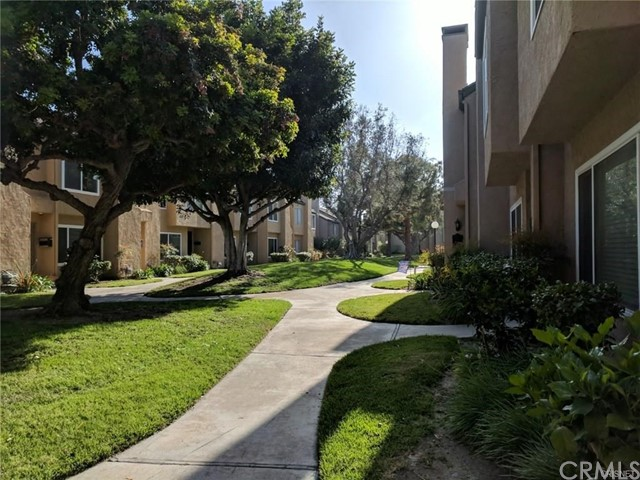 10958 Pebble Court, Fountain Valley CA: http://media.crmls.org/medias/19ee8d8d-0195-4392-ace6-058dbff44580.jpg