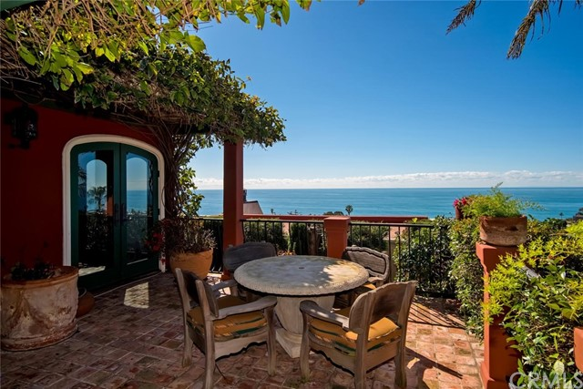 Photo of 330 Cajon Terrace, Laguna Beach, CA 92651