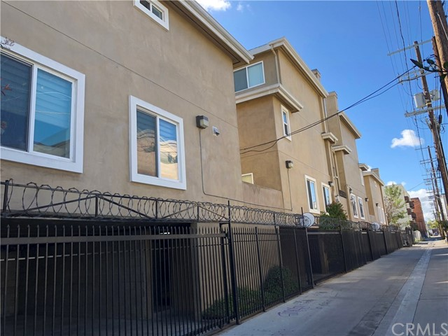 1133 S Hoover St, Los Angeles, CA 90006 Photo 15