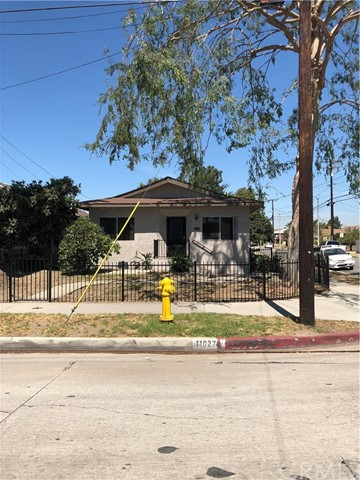 11027 Old River School Road, Downey CA: http://media.crmls.org/medias/1a25a43c-01d3-4162-b18a-f6252ac09809.jpg