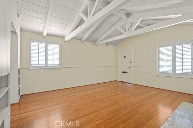 246 Beverly Street, Laguna Beach CA: http://media.crmls.org/medias/1a3db4e8-b3da-4972-b7eb-655482390850.jpg