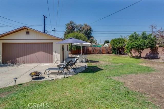 233 S Louise Avenue, Azusa CA: http://media.crmls.org/medias/1a422d42-65b8-4ee7-9def-bfb19121b21a.jpg