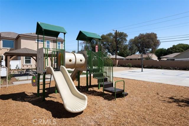 7853 Marbil Lane, Riverside CA: http://media.crmls.org/medias/1a511dbe-ed3d-427f-97d6-38d6fb3310cb.jpg