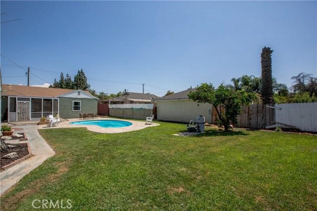 4146 Van Buren Boulevard, Riverside CA: http://media.crmls.org/medias/1a60d69b-383b-46e4-8467-da613d34ab84.jpg